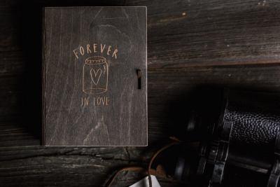 książka-10x15-jasny-grawer-2-of-10