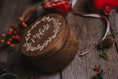 round wooden usb box