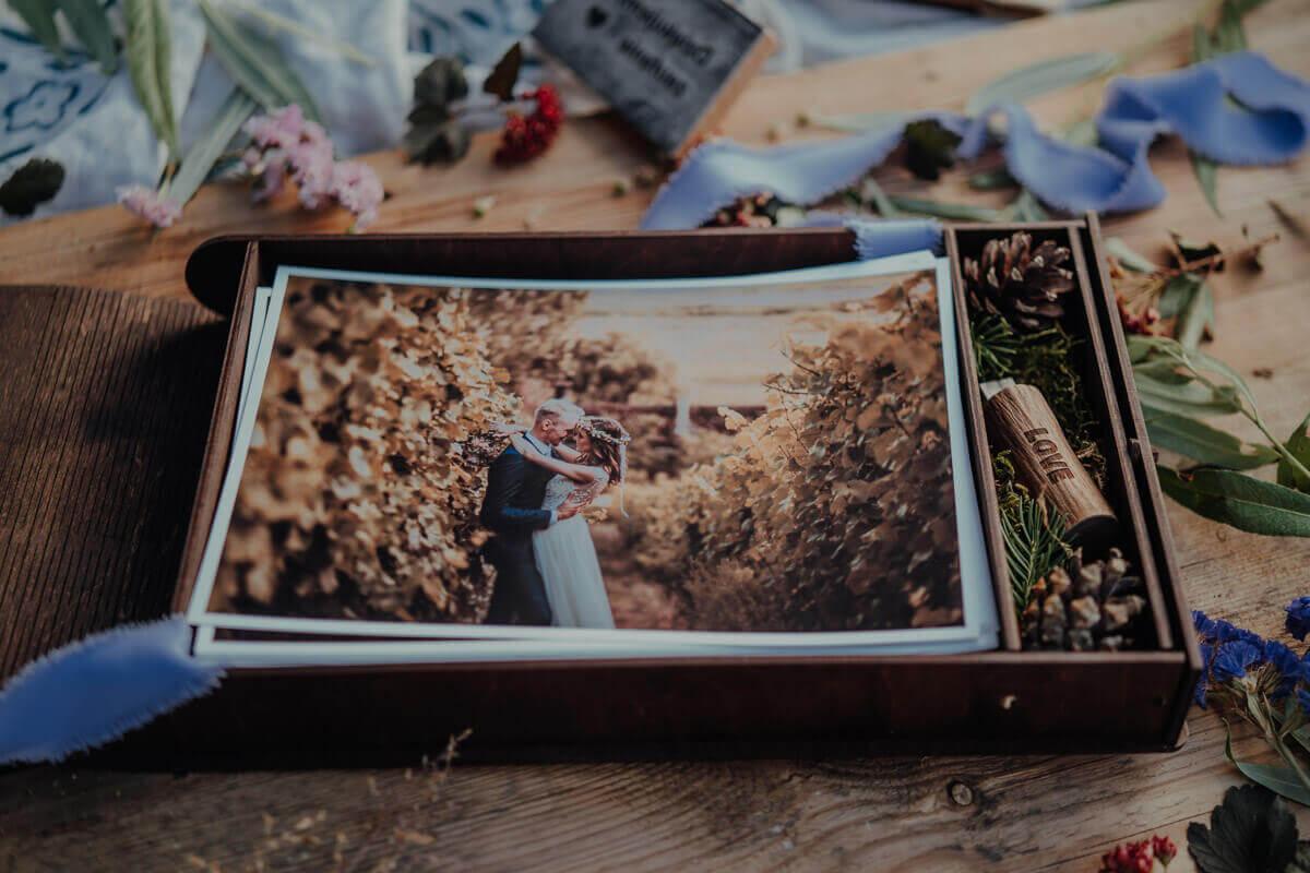 photobox plywood with pendrive