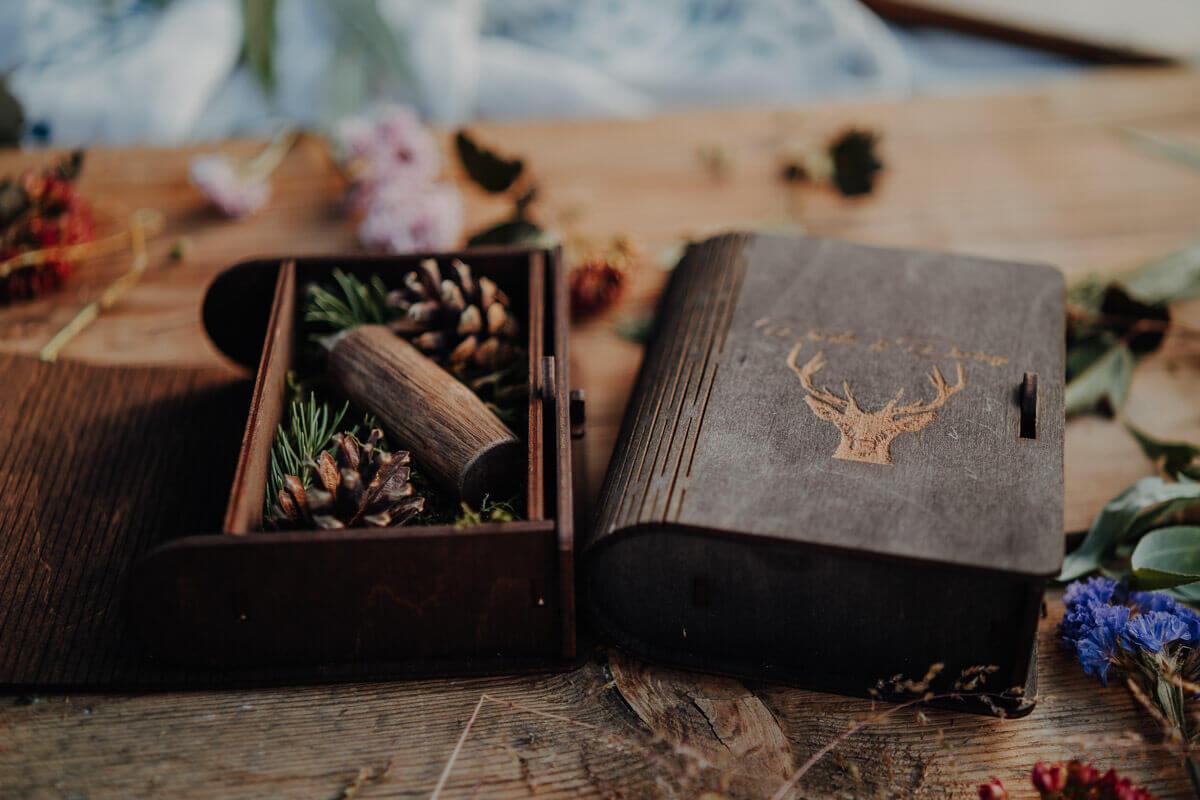 wooden pen drive box