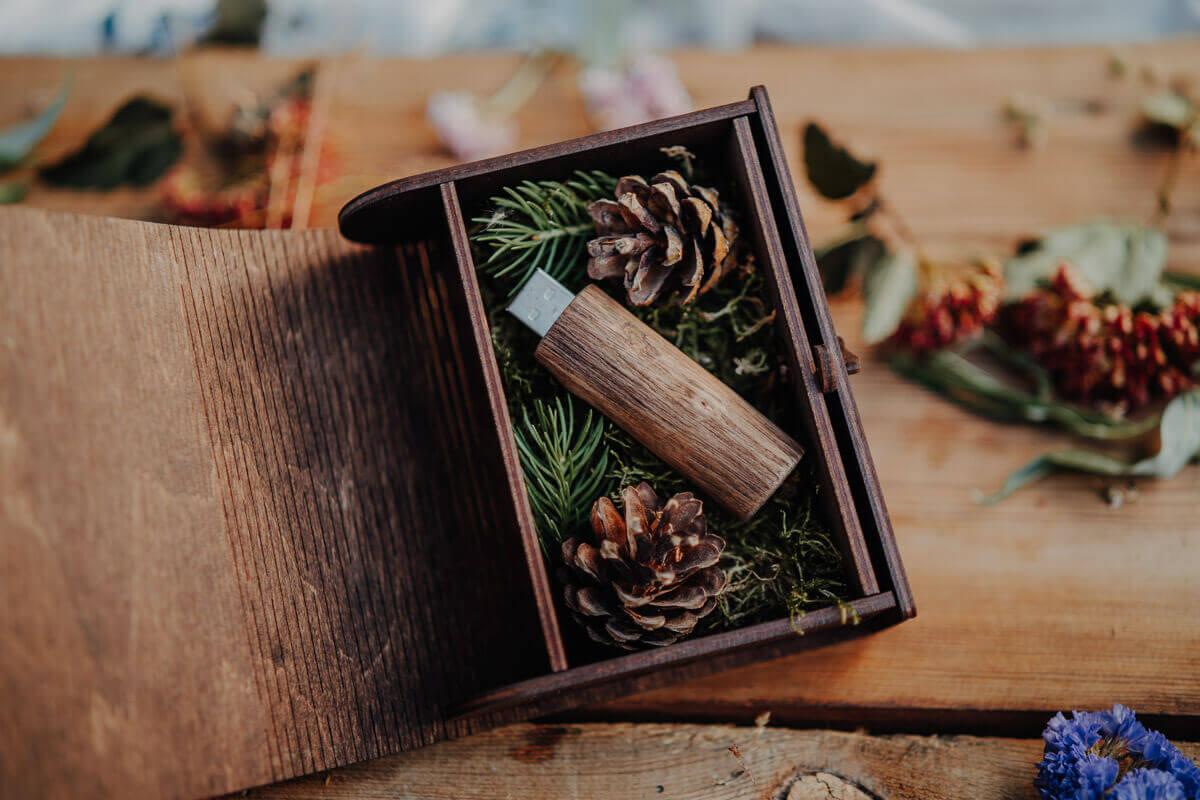 wedding pen drive box