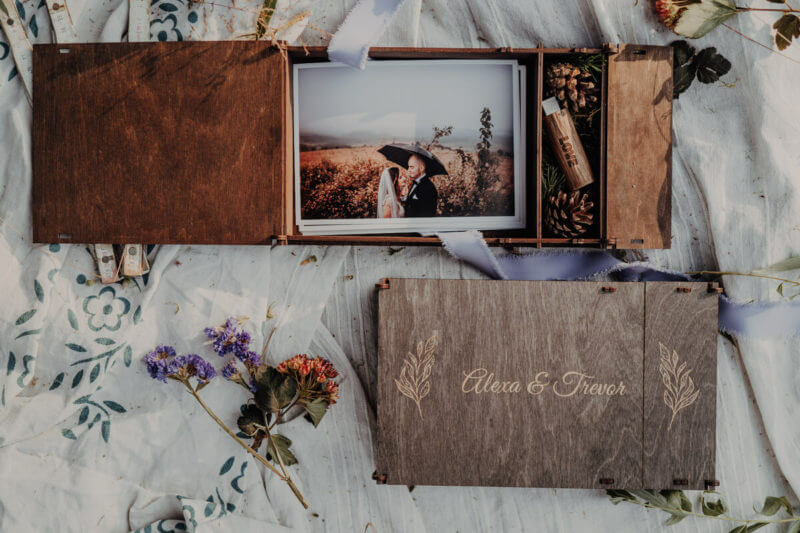 13x18 photo box with engraving