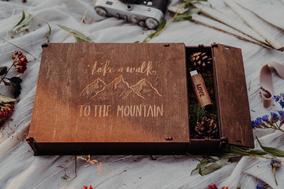 wooden keepsake box engraving