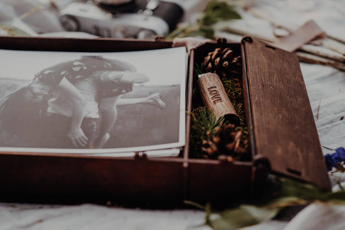 wooden photo box 15x23cm